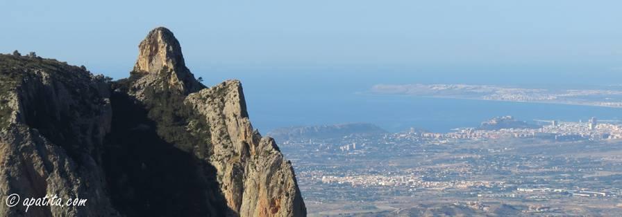 Vista de la Penya de l'Homenet y de Alicante