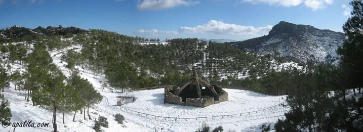 Vista de la Cava Gran y el Montcabrer