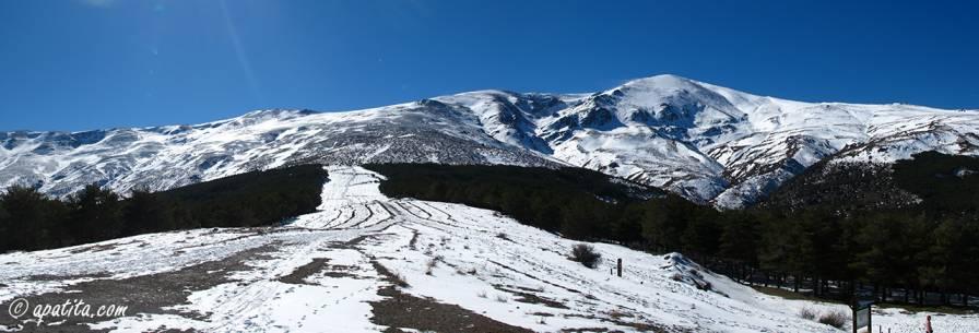 Vista de la Loma de Enmedio y del barranco del Alhorí desde Postero Alto