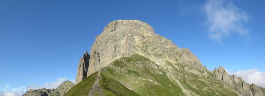 Vista del Midi d'Ossau desde el col de suzon