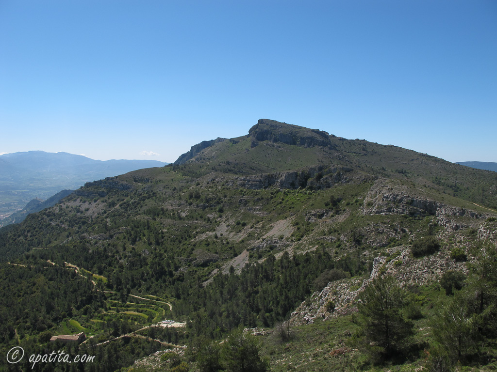 Vista del Montcabrer desde el pico Teix