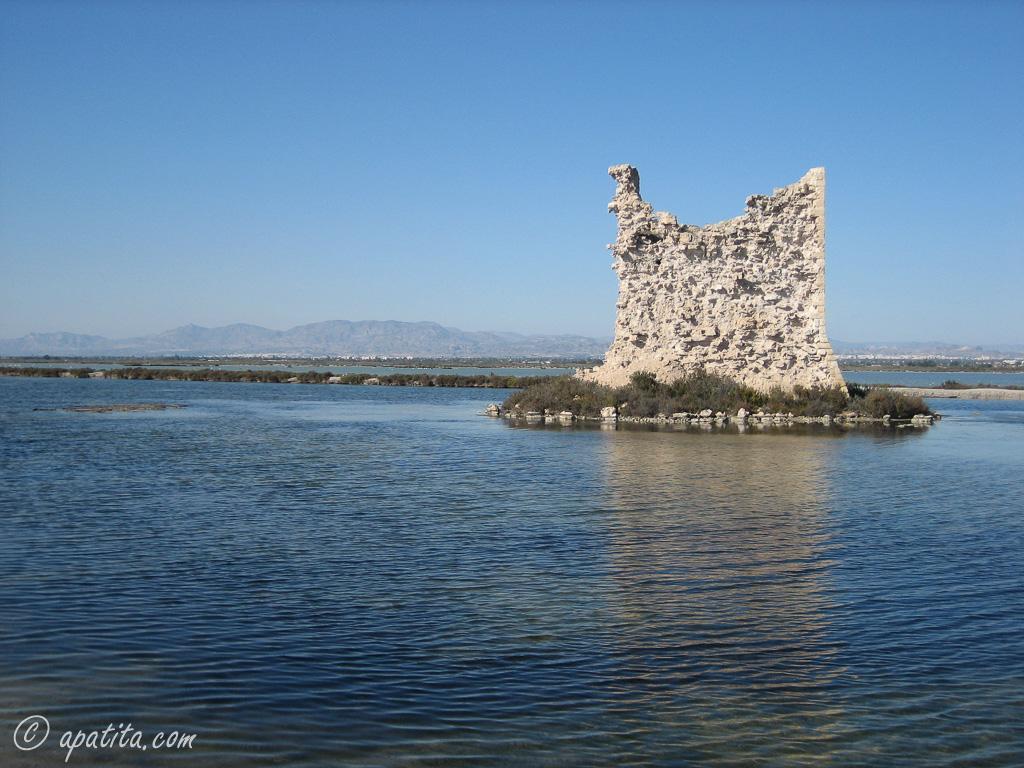 Torre del Tamarit (antes de la rehabilitación)