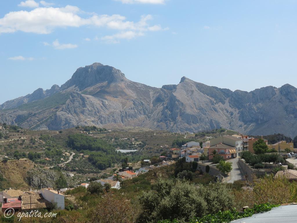 Tàrbena y la sierra de Bernia