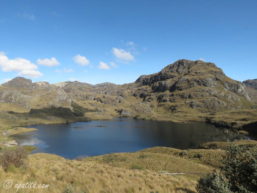 Laguna Toreadora y cerro San Luis